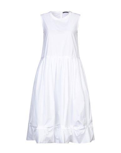 Фото - Платье длиной 3/4 от HIGH by CLAIRE CAMPBELL белого цвета