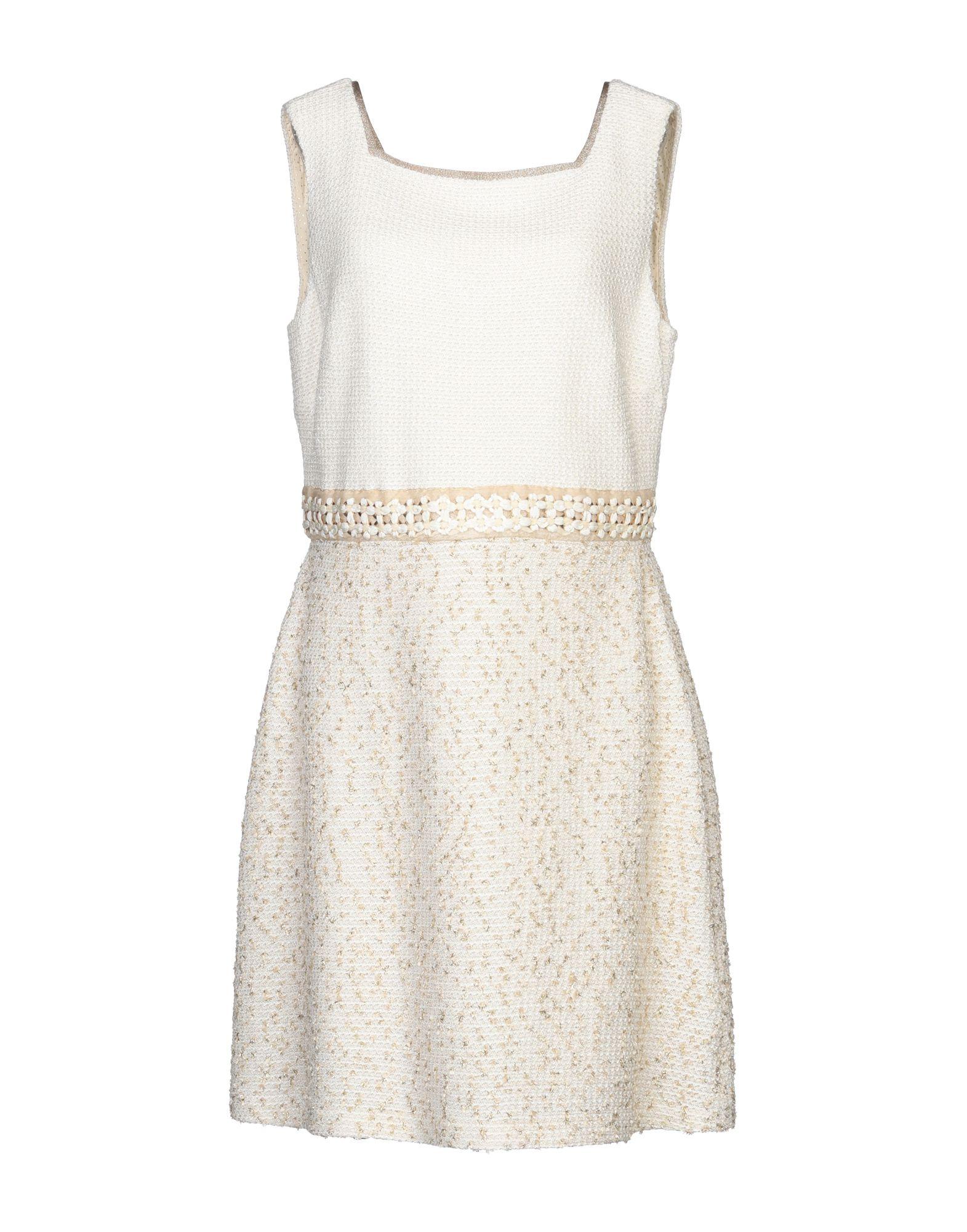 цена на ST. JOHN COUTURE Короткое платье