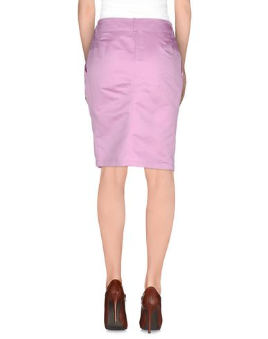 Фото 2 - Юбку до колена пастельно-розового цвета