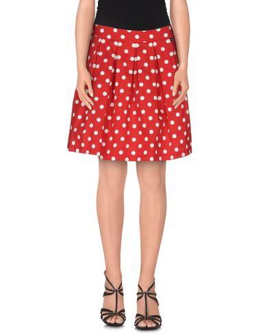 Фото - Мини-юбка красного цвета