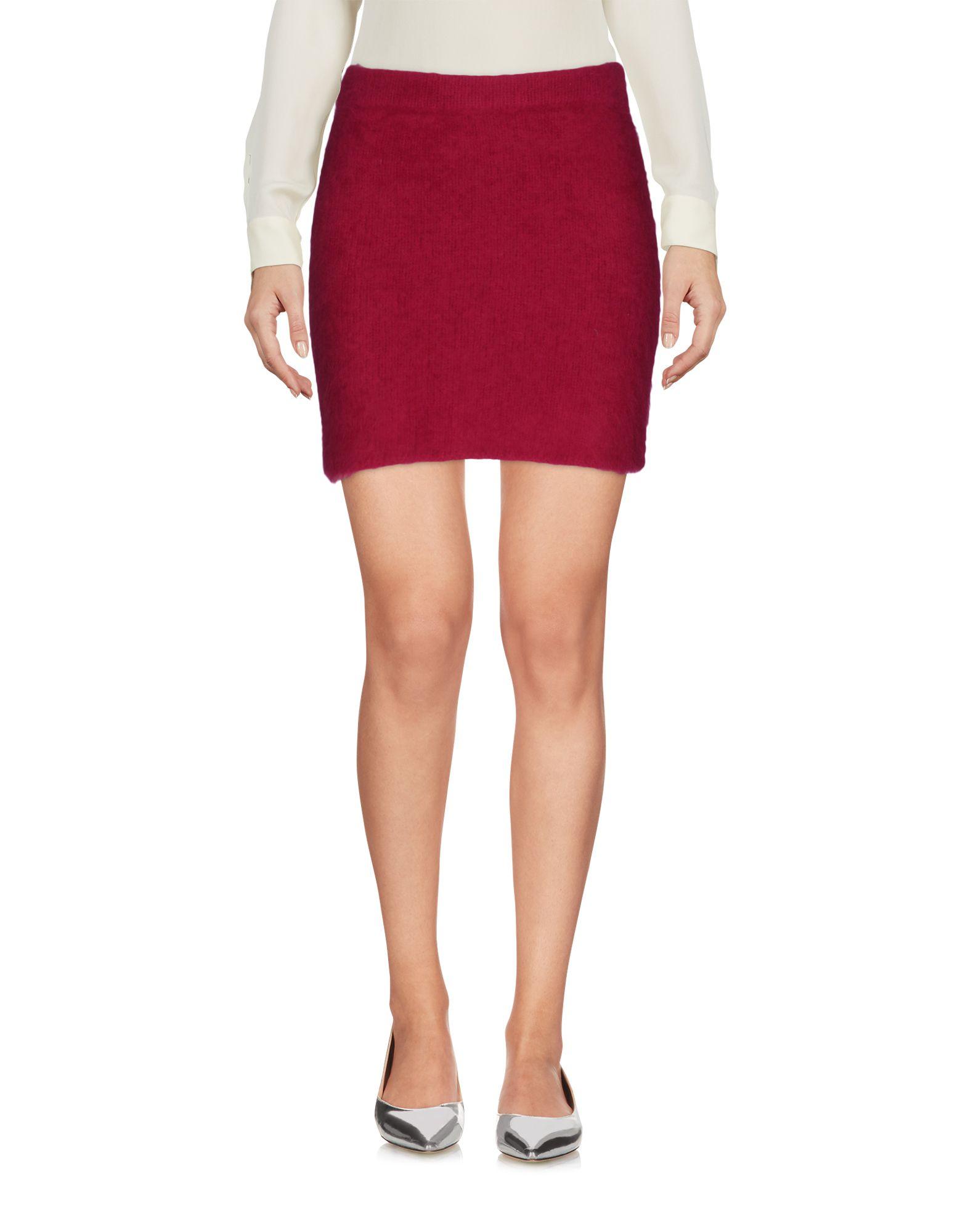 BEAYUKMUI Mini Skirt in Fuchsia