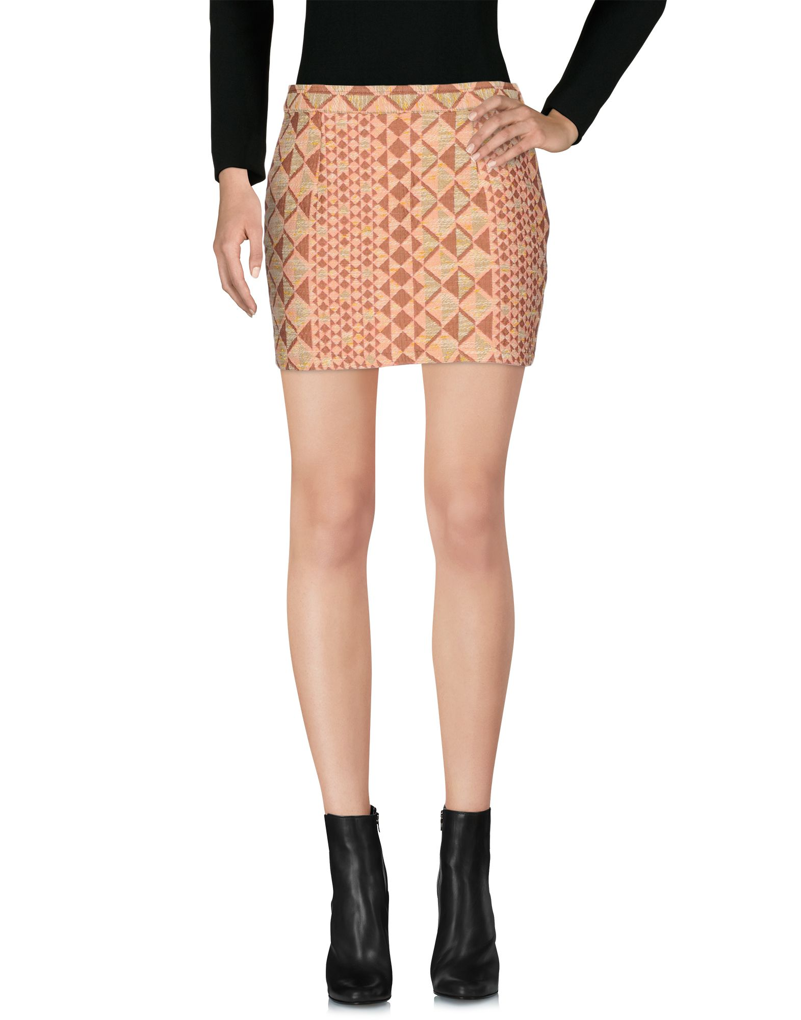 KAGE Mini Skirt in Coral