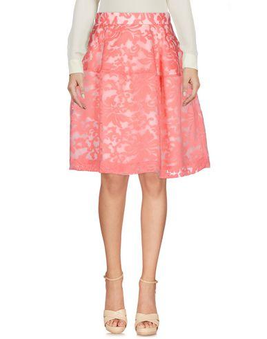 Фото - Юбку до колена от P.A.R.O.S.H. розового цвета