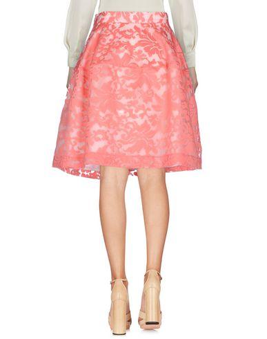 Фото 2 - Юбку до колена от P.A.R.O.S.H. розового цвета