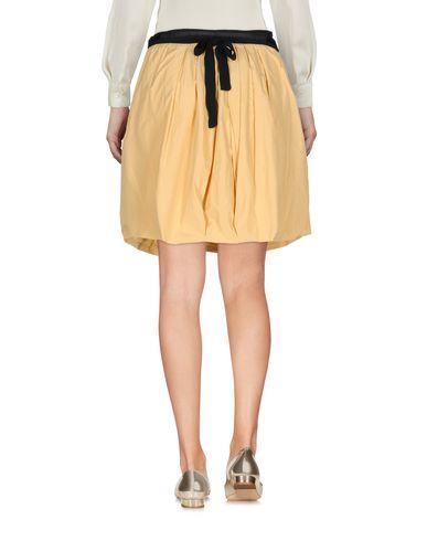 Фото 2 - Юбку до колена от TWINSET желтого цвета