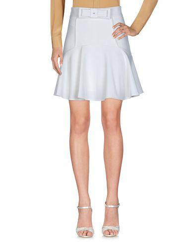 Фото - Мини-юбка белого цвета