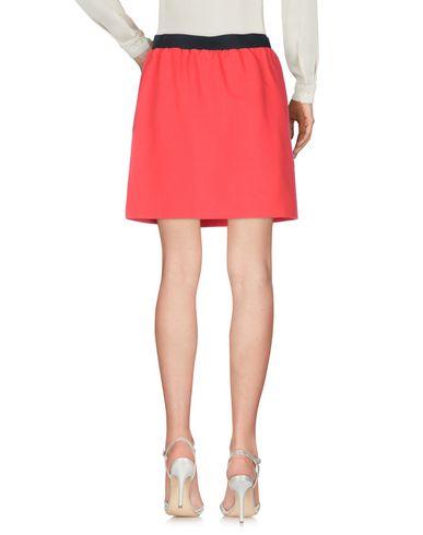 Фото 2 - Мини-юбка красного цвета