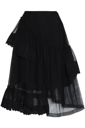 Asymmetric Hem Calf-Length Tulle Skirt W/ Flower Detail in Black