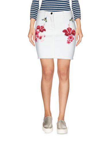 Фото 2 - Джинсовая юбка белого цвета