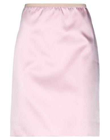 Фото - Юбку до колена розового цвета