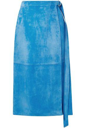 SALLY LAPOINTE تنورة متوسطة الطول بتصميم ملفوف من الجلد الناعم مزوّدة بحزام