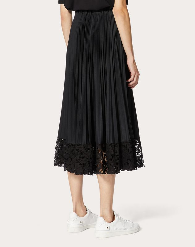 Jersey and Heavy Lace Pleated Skirt