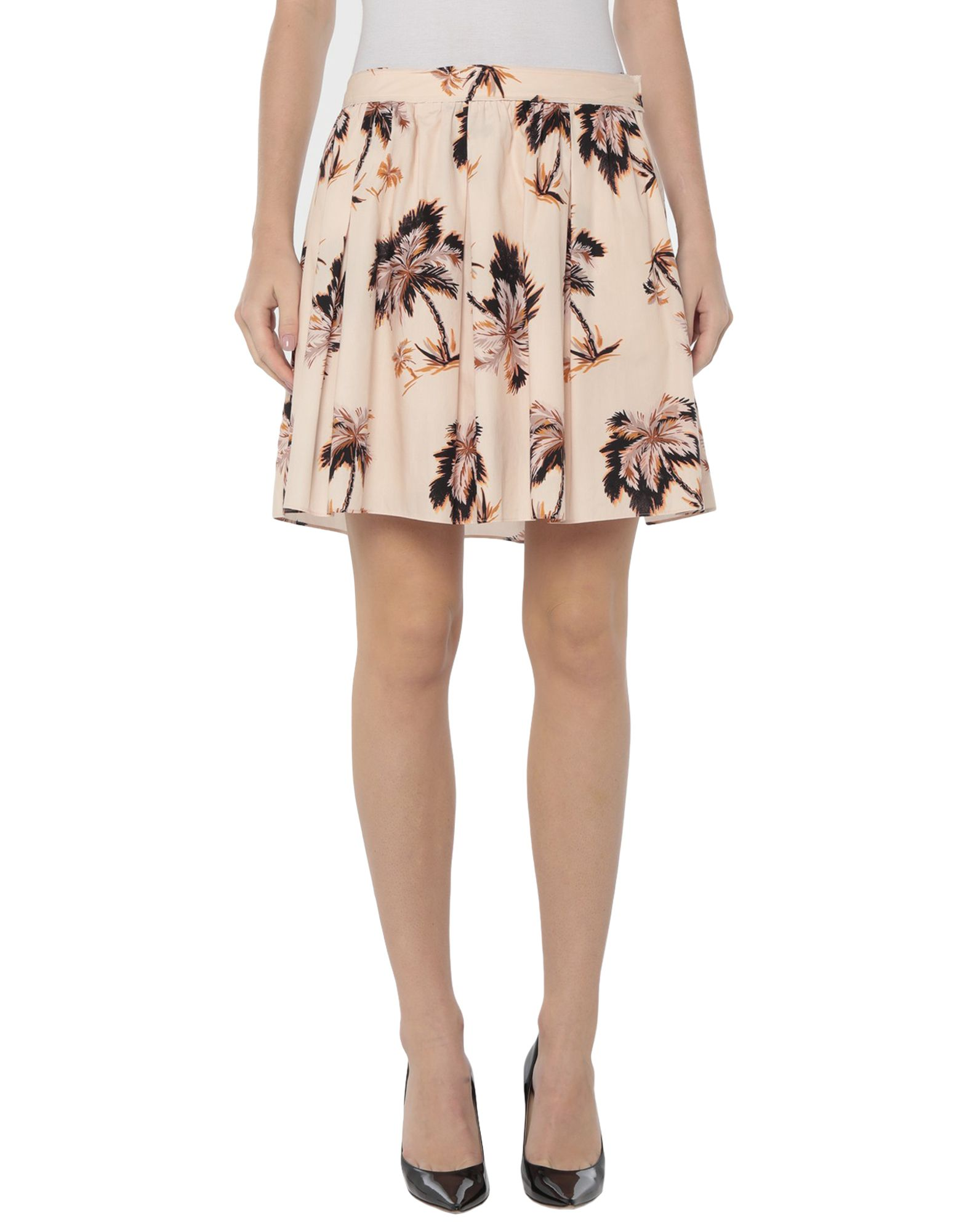 COACH Knee length skirts. plain weave, no appliqués, floral design, multipockets, front closure, hook-and-bar, zip, fully lined. 100% Cotton