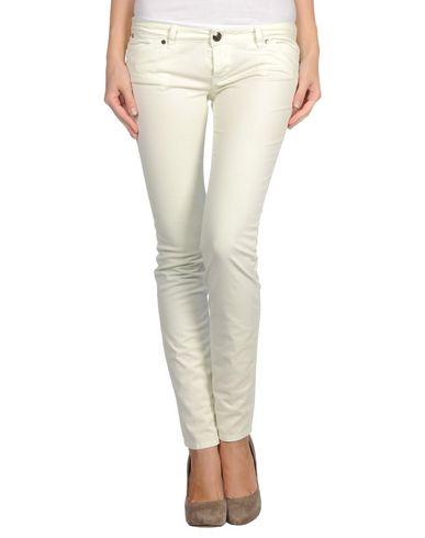 Фото - Повседневные брюки от PINKO GREY светло-зеленого цвета