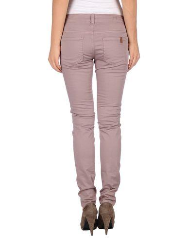 Фото 2 - Повседневные брюки от ATELIER NOTIFY пастельно-розового цвета