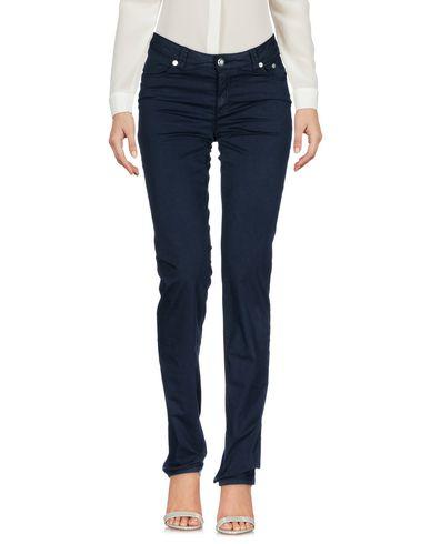 Фото - Повседневные брюки от SIVIGLIA WHITE цвет стальной серый