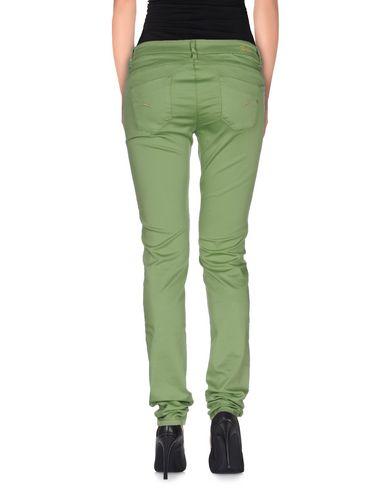 Фото 2 - Повседневные брюки от D-21 зеленого цвета