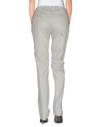 Фото 2 - Повседневные брюки от SIVIGLIA WHITE светло-зеленого цвета