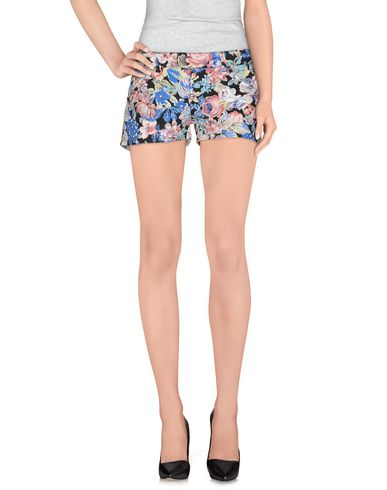Foto UP ★ JEANS Shorts donna