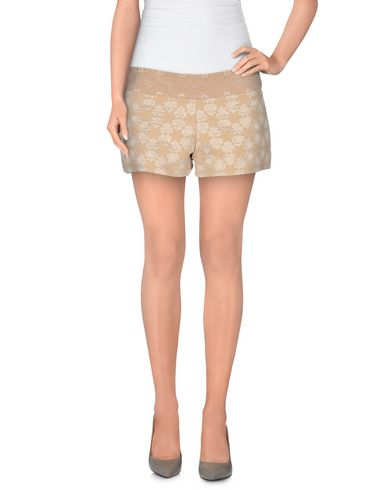 Foto TOY G. Shorts donna