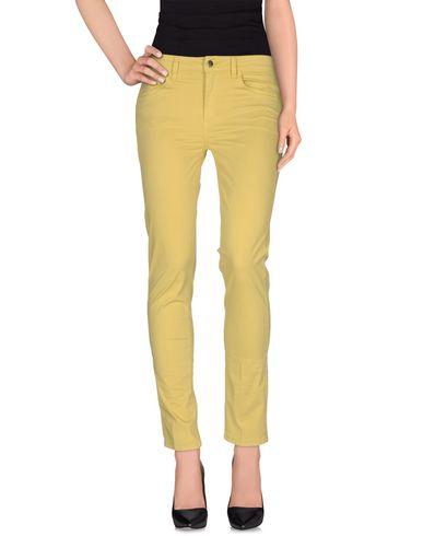 Фото - Повседневные брюки от REBEL QUEEN by LIU •JO желтого цвета