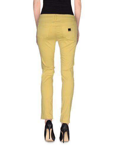 Фото 2 - Повседневные брюки от REBEL QUEEN by LIU •JO желтого цвета