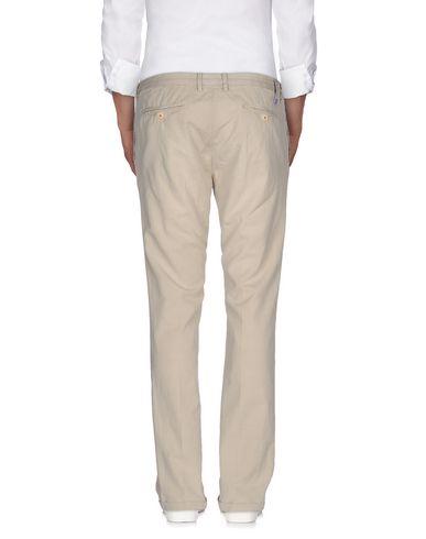 Фото 2 - Повседневные брюки от AT.P.CO бежевого цвета