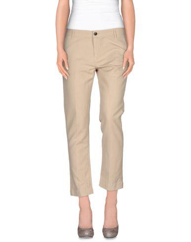 Imagen principal de producto de FRED PERRY - PANTALONES - Pantalones - Fred Perry