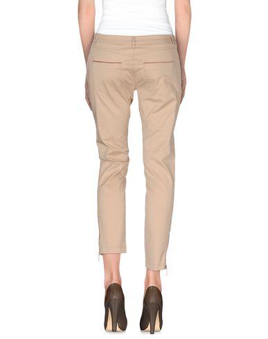 Фото 2 - Повседневные брюки от CRISTINAEFFE бежевого цвета