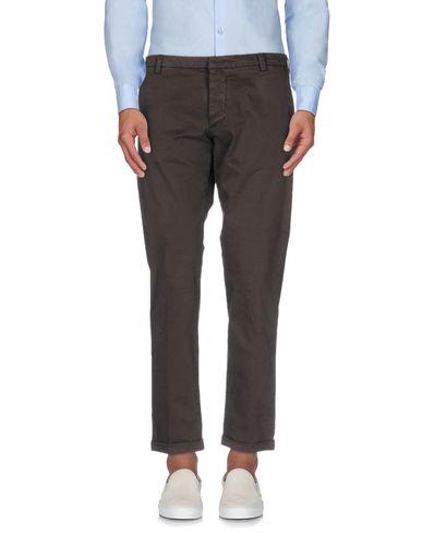 Фото - Повседневные брюки от MOOS темно-коричневого цвета