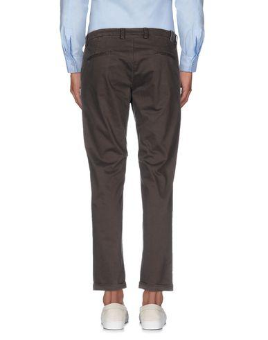 Фото 2 - Повседневные брюки от MOOS темно-коричневого цвета