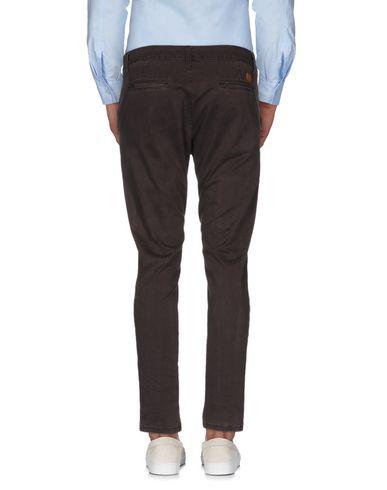 Фото 2 - Повседневные брюки от ROBERT QUEEN темно-коричневого цвета