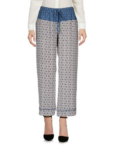 цена  MIKI THUMB Повседневные брюки  онлайн в 2017 году