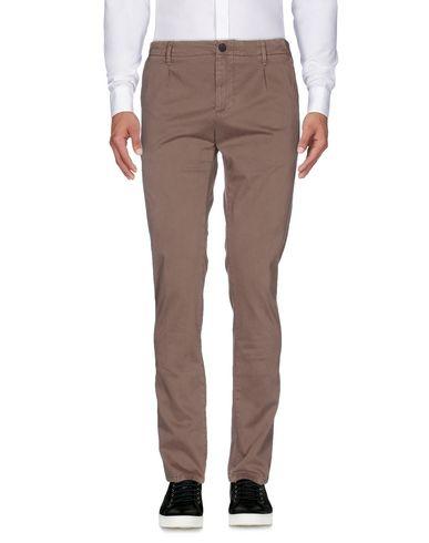 Фото - Повседневные брюки от MYTHS цвет голубиный серый