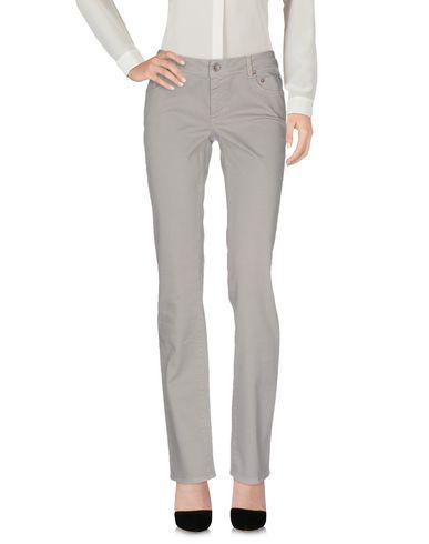 Фото - Повседневные брюки от SIVIGLIA WHITE светло-серого цвета