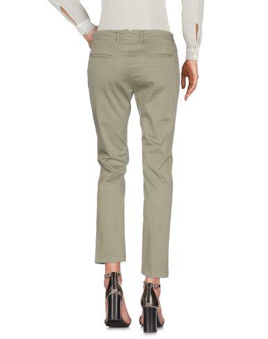 Фото 2 - Повседневные брюки от SIVIGLIA WHITE цвет зеленый-милитари