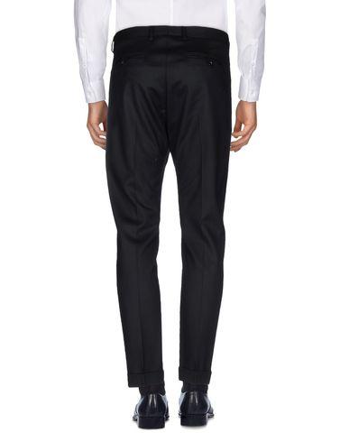 Фото 2 - Повседневные брюки от SAISON черного цвета