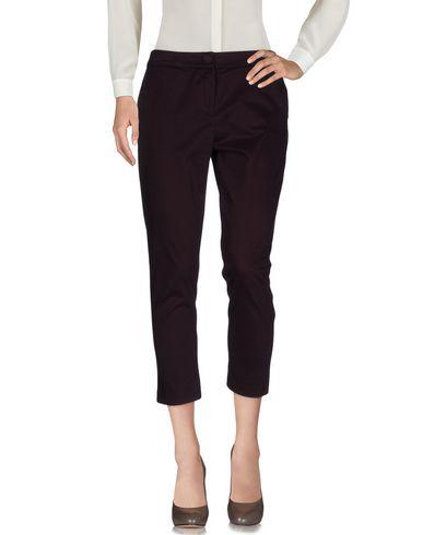 Фото - Повседневные брюки от TOLÈRANCE цвет баклажанный
