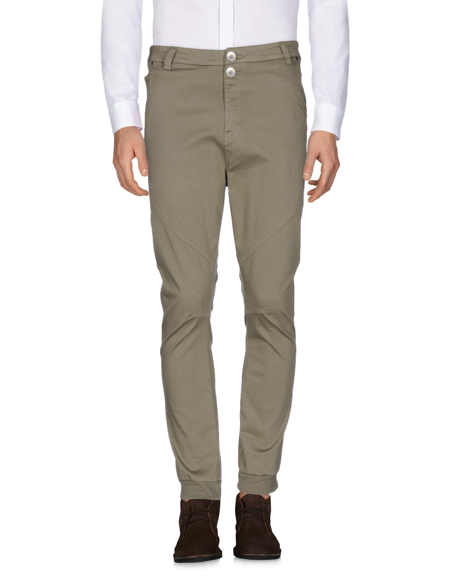 цена FEDERICO DEL GRANDE Повседневные брюки онлайн в 2017 году