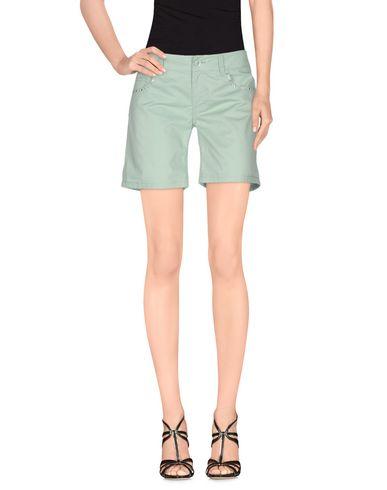 Фото - Повседневные шорты светло-зеленого цвета