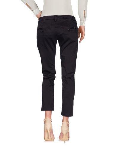 Фото 2 - Повседневные брюки темно-фиолетового цвета