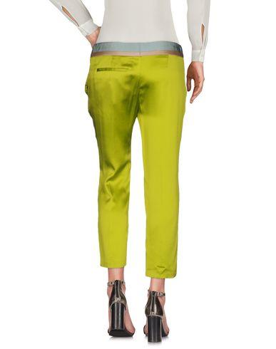 Фото 2 - Повседневные брюки кислотно-зеленого цвета