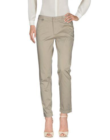 Повседневные брюки NERO GIARDINI 36952047VH