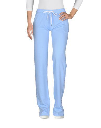 Фото - Повседневные брюки от VDP CLUB сиреневого цвета