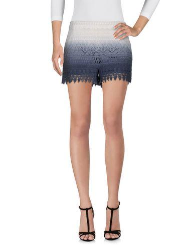 Imagen principal de producto de PEPE JEANS - PANTALONES - Shorts - Pepe Jeans