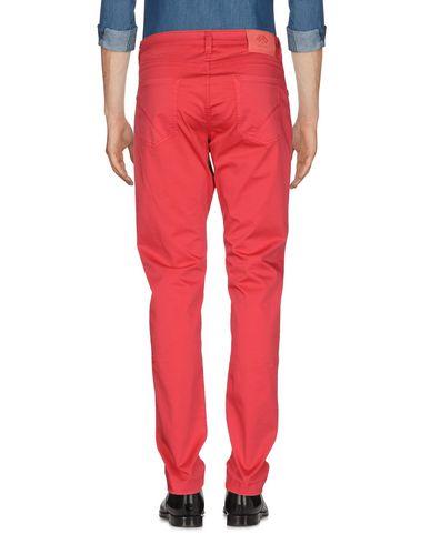 Фото 2 - Повседневные брюки от FRADI красного цвета