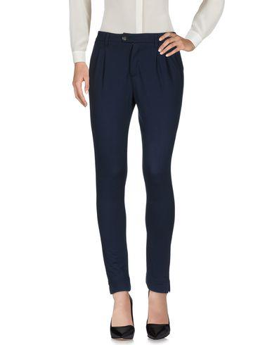 Повседневные брюки AIGUILLE NOIRE by PEUTEREY 36994268NX
