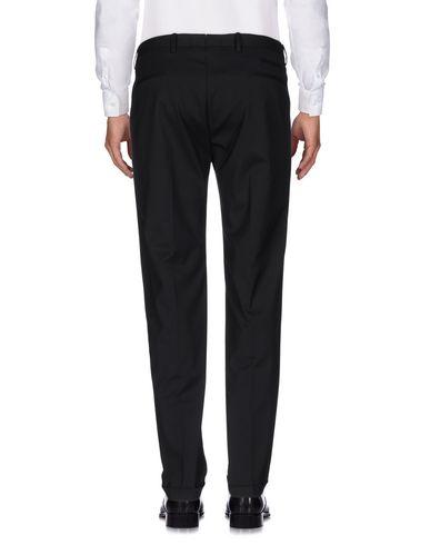 Фото 2 - Повседневные брюки от QUATTRO.DECIMI черного цвета