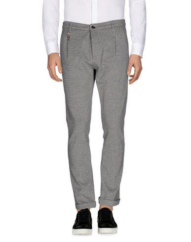 Купить Повседневные брюки от INDIVIDUAL серого цвета