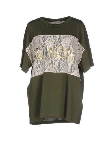 Foto SANDAI T-shirt donna T-shirts